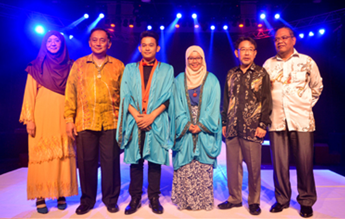 14 Students Honoured At Performing Arts Award Night