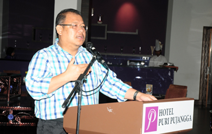 Coax Your Best Students To Go To UKM, VC Tells School Heads.jpg1