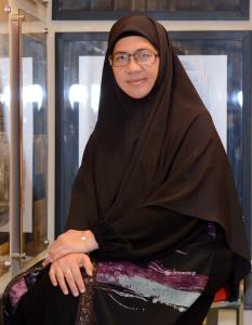 Dr Zarina